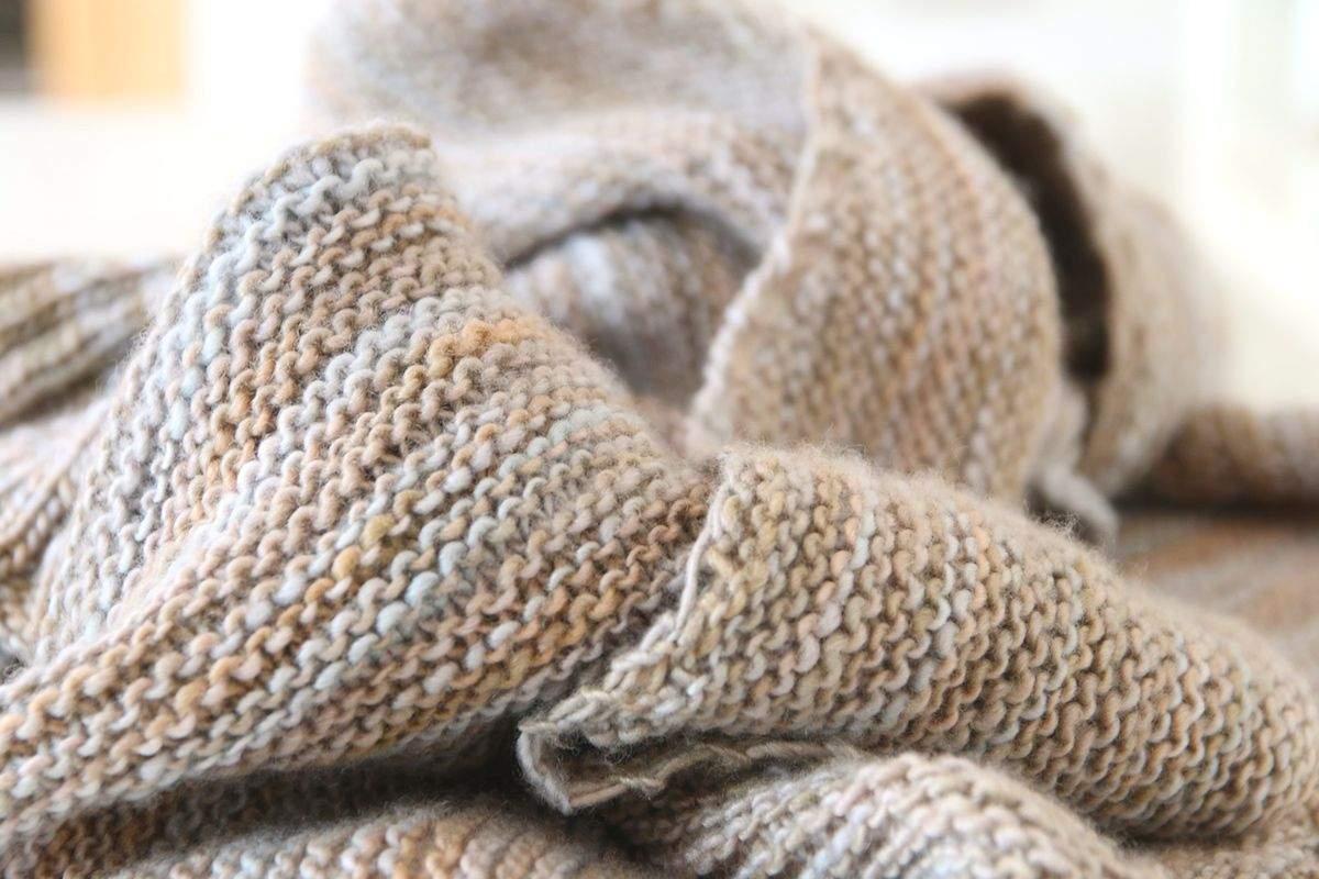 Halbrundes Tuch mit Rippenborte 3