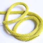 Inspiration No. 66: Kabel einstricken, die weltgrößte Grannysquaredecke und Yarnbombing