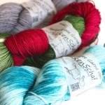 Handgefärbte Garne: Lacegarne und Sockenwolle vom Wollkenschaf