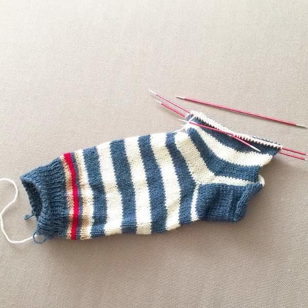 6 - Socken stricken - alles was man braucht