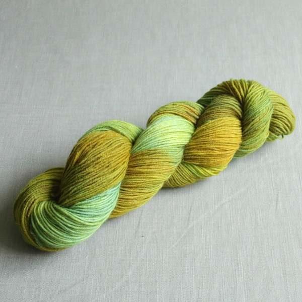 Sockenwolle Gruene Oliven 1