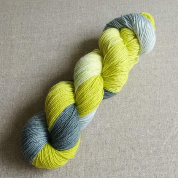 Handgefärbte Sockenwolle von Gemacht mit Liebe - Farbe Schwedischer Sommer