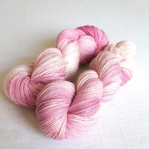 Sockenwolle Rose