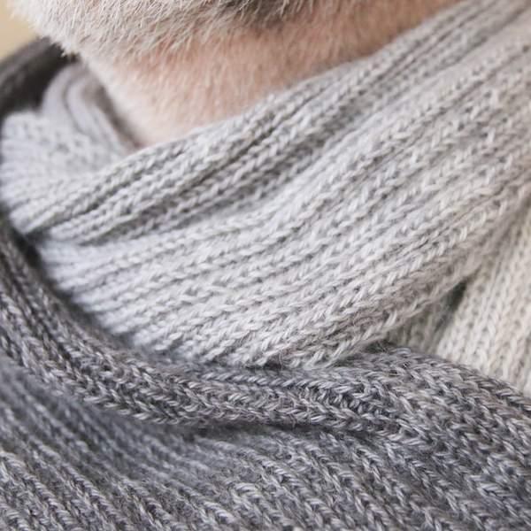 Einen Schal mit Rippenmuster stricken mit Lang Yarns Puno