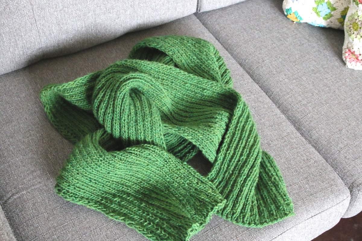 Einen Rippenschal stricken: Der neue ist fertig! - Gemacht mit Liebe