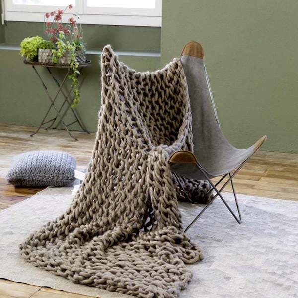 decke aus extradicker wolle strickkit 5 mit smilla von lang yarns gemacht mit liebe. Black Bedroom Furniture Sets. Home Design Ideas